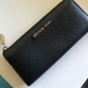 MK Wallet - MAKE AN OFFER